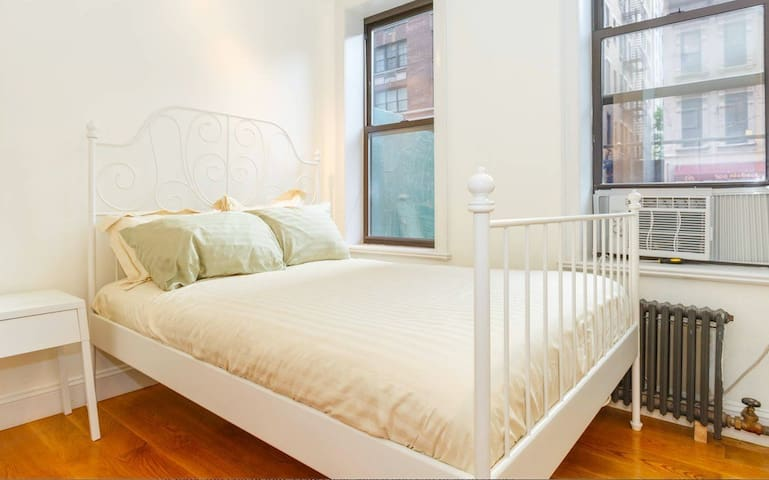 Modern 1 Bedroom Heart of Upper East Side