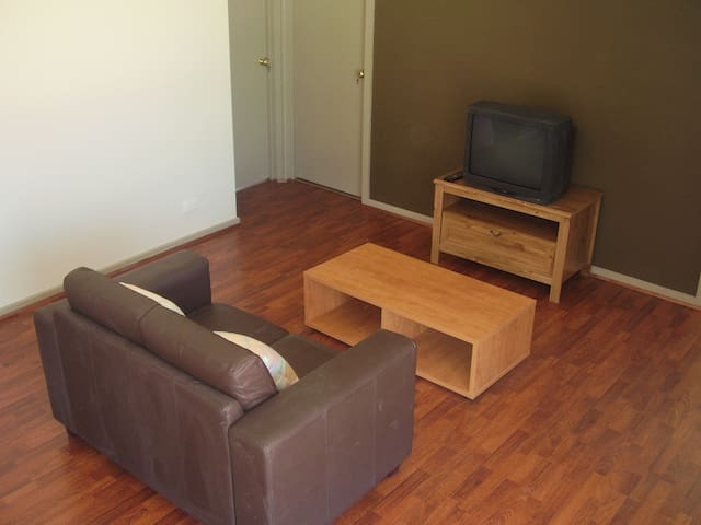 Fully Furnished Opposite Monash Uni Clayton - Clayton