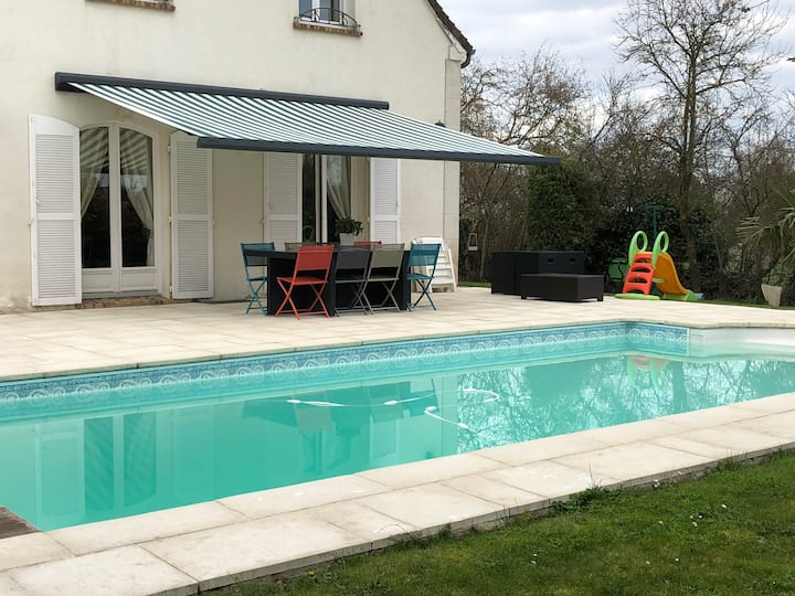 Luxurious Villa near Paris pool sauna billards