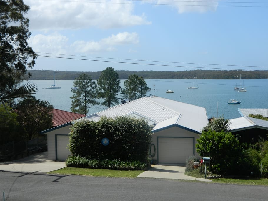 View of property from Cove Boulevard