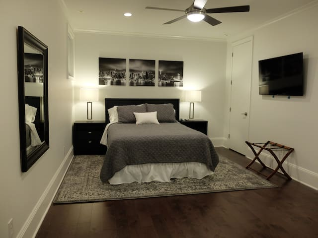Private Bedroom - Queen Bed (60 inches by 80 inches)