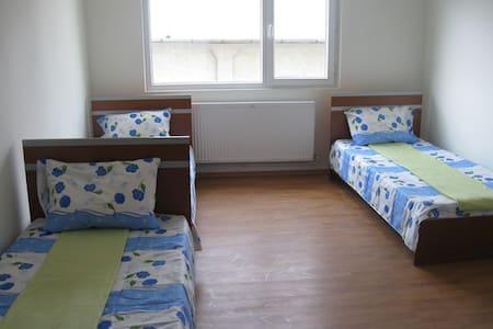 camera tripla - Ploiești