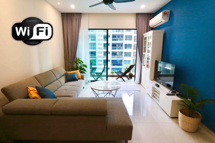 4pax Cozy House with Pool View near Mont Kiara
