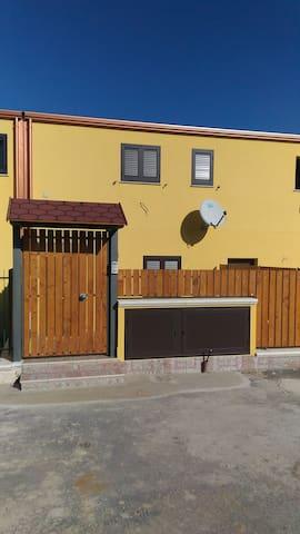 Appartamento a circa 1 km dal mare. - Porto Empedocle - House
