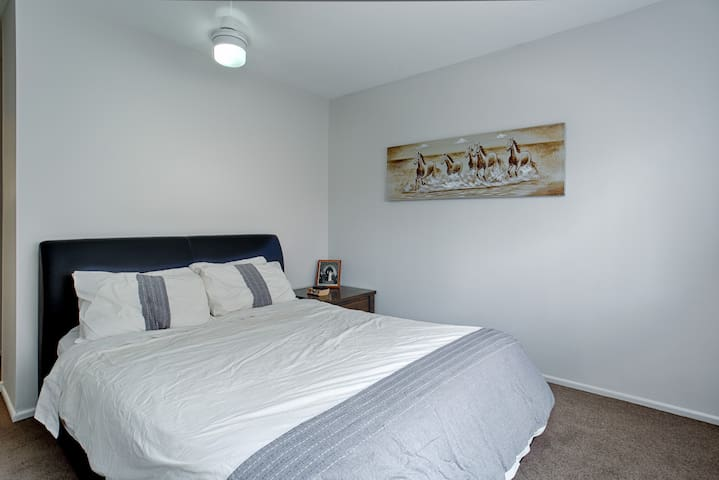 Master Bedroom + Ensuite near city - Coorparoo - Lägenhet