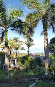 Palms by Da Beach-A cozy paradise hideaway - Naalehu