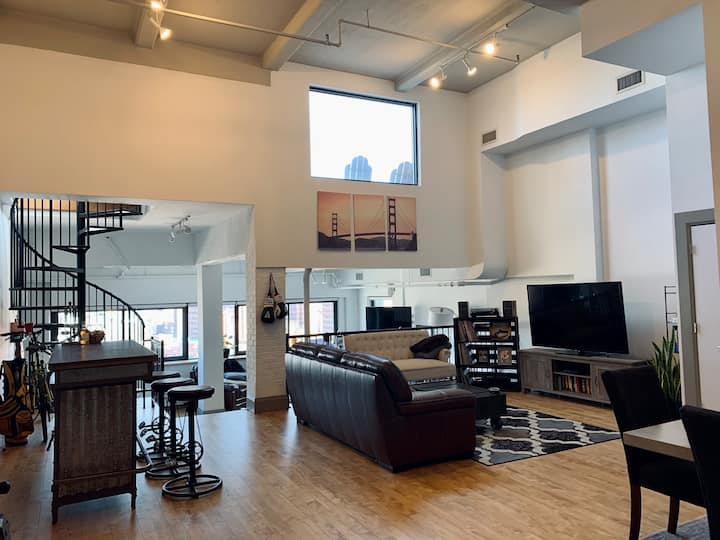 Brooklyn Penthouse Loft with Private Roof