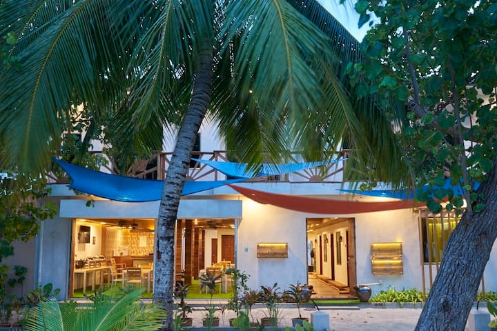 Masaaree Boutique Hotel Sea View Room - Maafushi - Bed & Breakfast