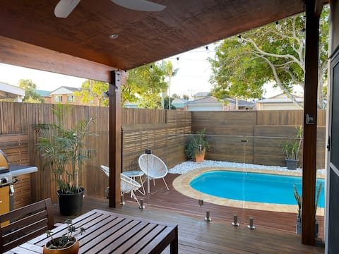 WEEK NIGHT SPECIAL FROM $90 FOR STAYS IN OCT!