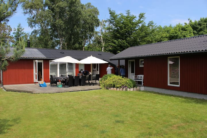 Wonderful Wooden Cottage 15 meters from the beach - Stege - Hytte