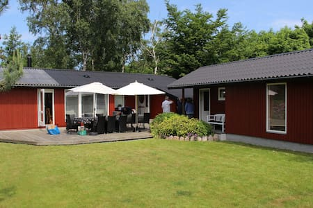 Wonderful Wooden Cottage 15 meters from the beach - Stege - Cabana
