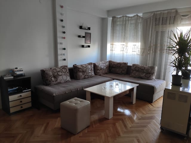 Little private room in center appartement