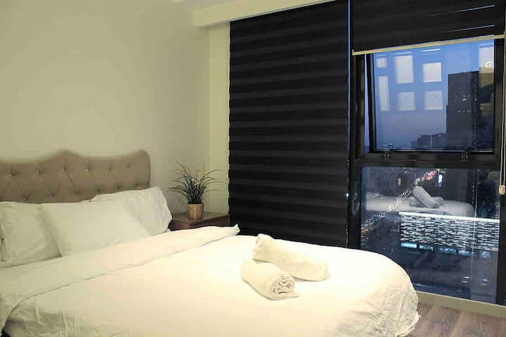 ★Entire Flat in Tower next to Mall of Istanbul.