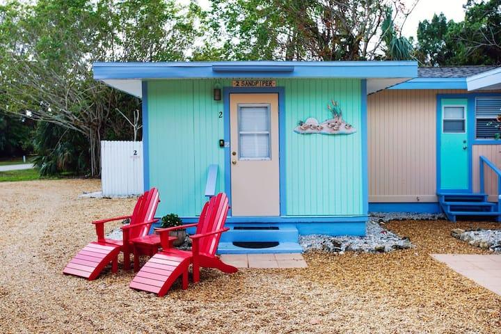 Newly Renovated Coastal Chic Cottage!  Free Bikes!