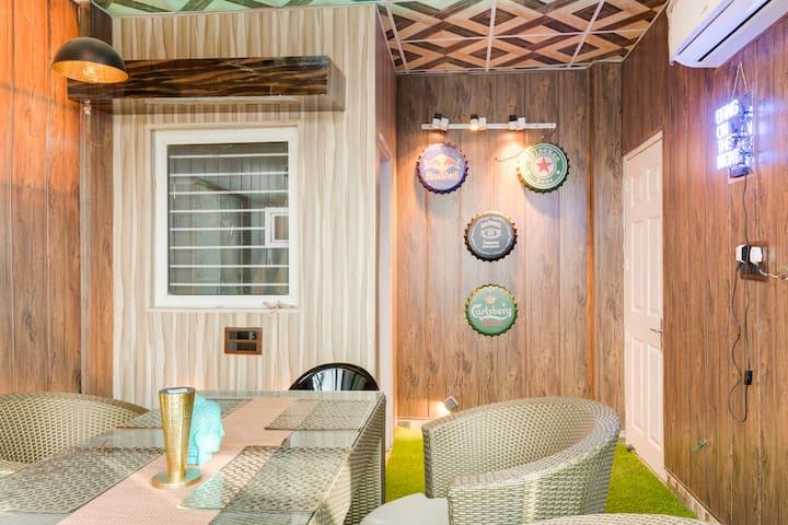 Inhouse Lounge