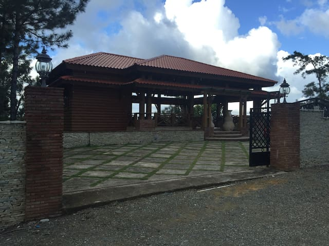 Villa Mountain Village... a piece of paradise. - ハラバコア - 別荘