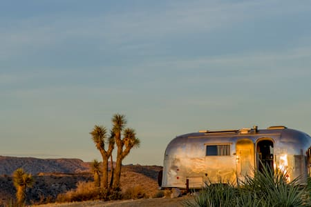 Secluded 1961 Airstream, Glorious Views, compound - 犹卡谷地