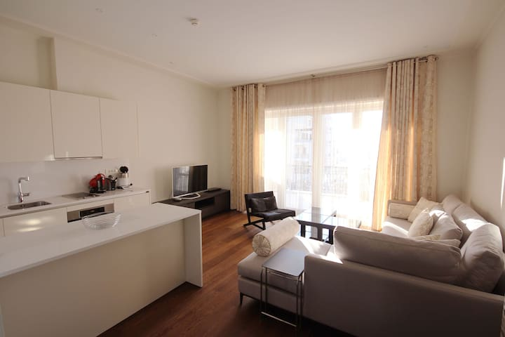 One bedroom apartment overlooking sea and marina - Tivat - Apartment