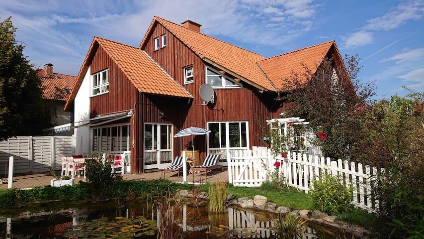 """Schönes Gästehaus """"Die Insel"""" Wohn. I, 4 km bis Gö"""