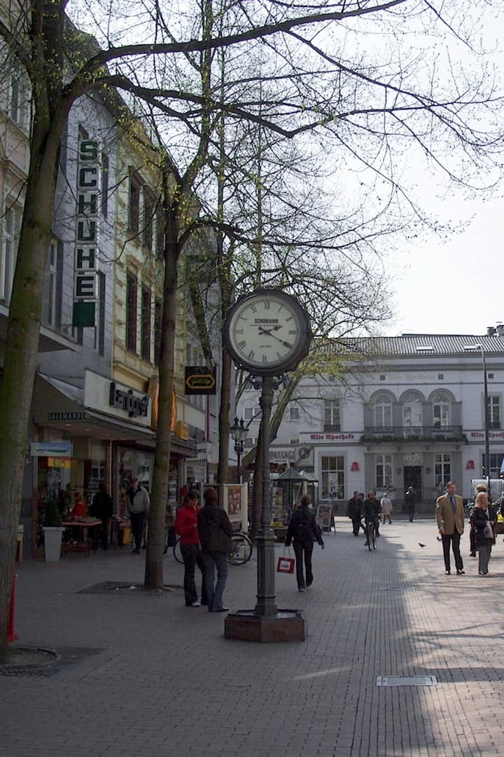 Fußgängerzone / Shopping Area