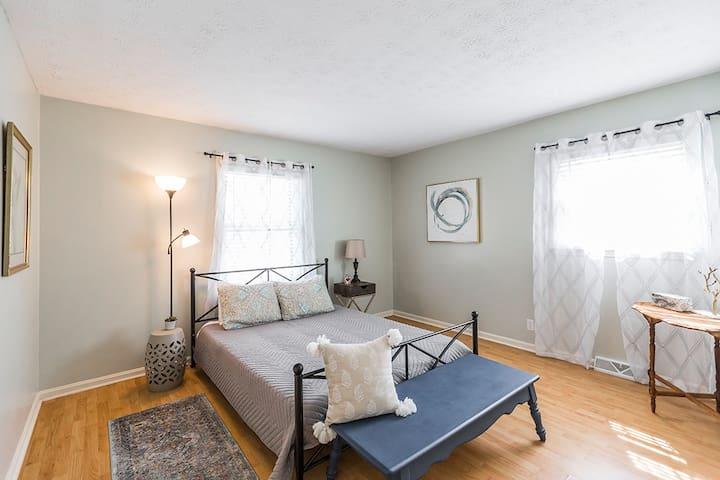 Plush, queen sized memory-foam beds