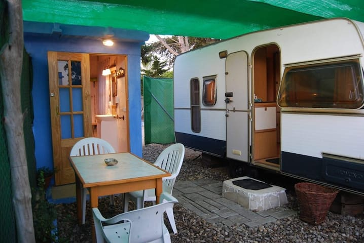 Sun Caravan in private garden by Natural Park