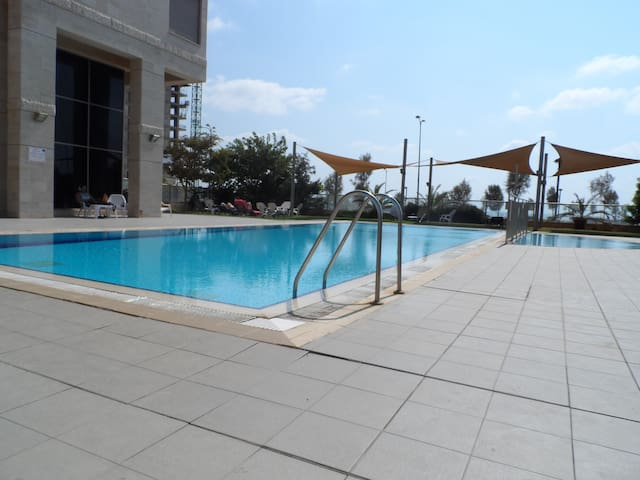 Ir Yamin - 4 Bedroom Sea-View Apartment - Netanya - Flat