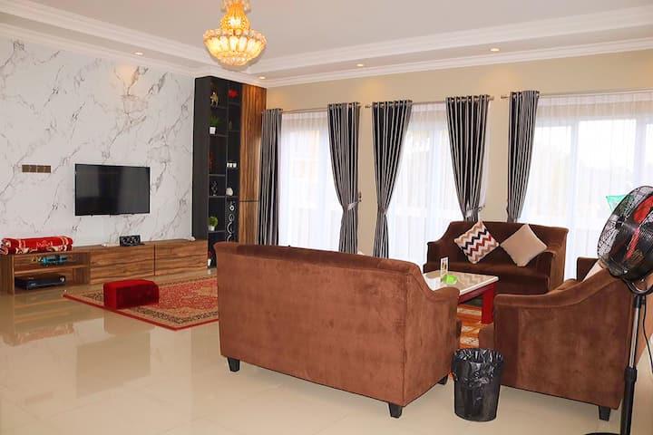 Breeze & Cozy Villa in Cisarua, Puncak Bogor