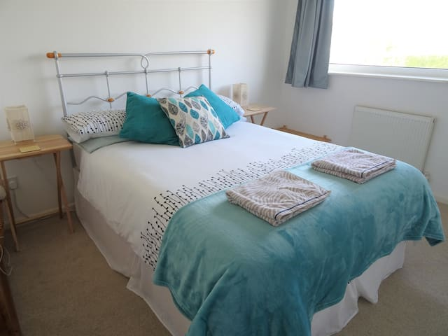 Lovely light room near South Downs - Seaford - Wohnung