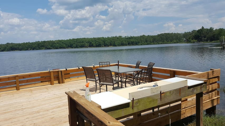 "Cabin on the Lake-""Peace at Last"" - DeFuniak Springs - Casa"