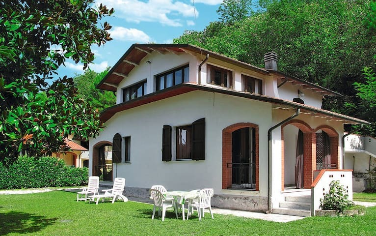 Cozy cottage on the hills - Massa - Villa