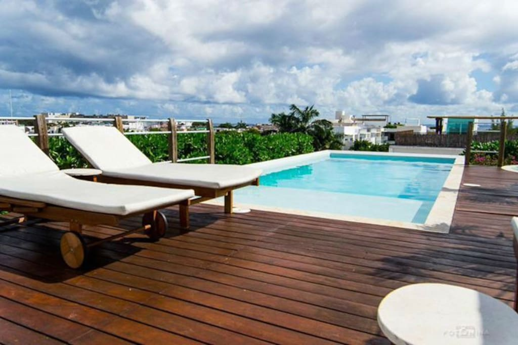 Great Pool to Enjoy the sun.