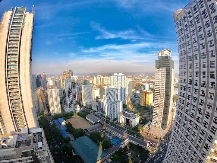 Loft w/View near Mall & Resto, MRT, WIFI/Netflix