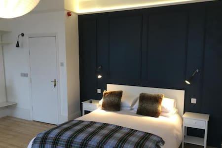 Carrick Room