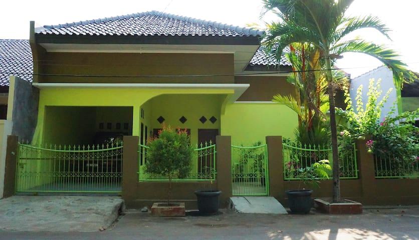 Adipati IV House