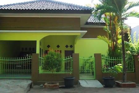 Adipati IV Homestay Indramayu