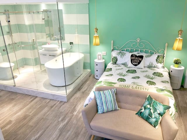 Laura31 Design Studio Washer/Dryer/TV