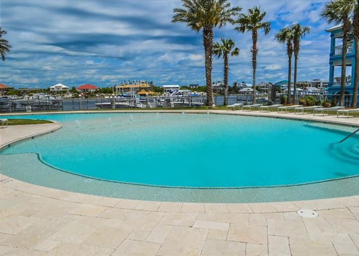 Bella Luna 201 - Upscale Corner Unit w/ Wrap Around Balcony & Bay Views!