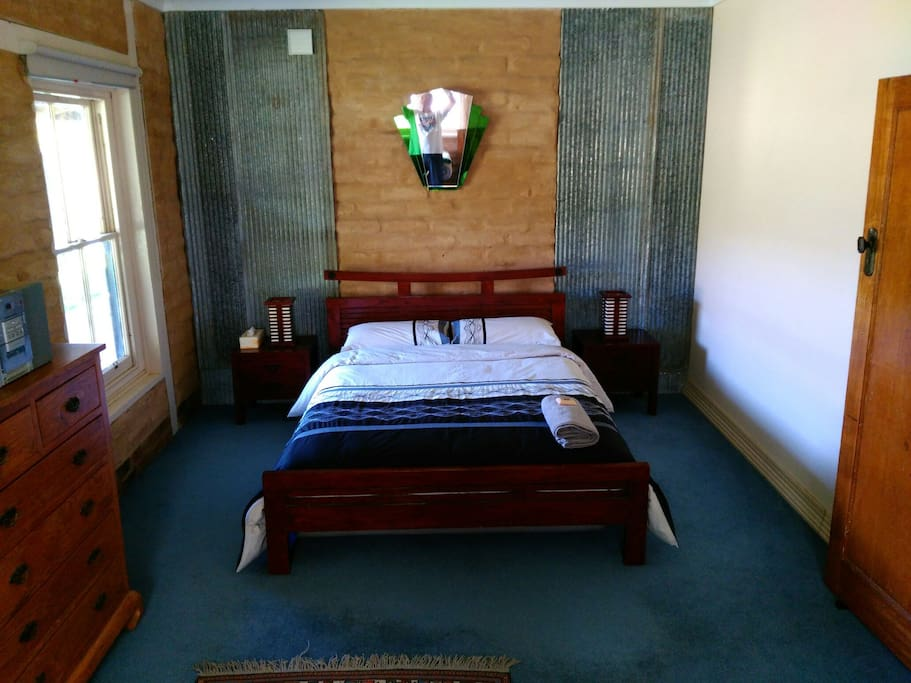 Main No 1 Bedroom, very large room,1 x Queen Double Bed and 1 x King size Single & 1 x  Standed single bed.