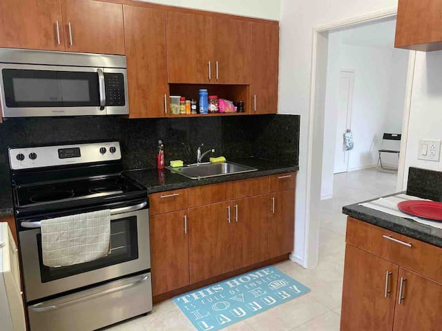 Brand new apt, just renovated at Coral Gables.
