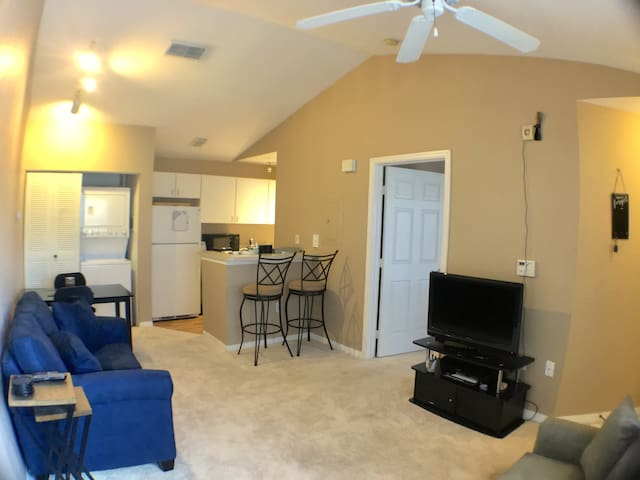 Cozy 1-Bedroom Apt in a Great Area! - Tampa - Apartamento