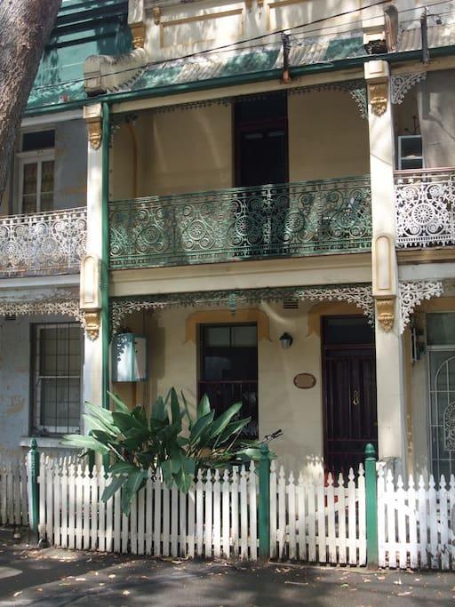 Sydney Terrace with Iron Lacework