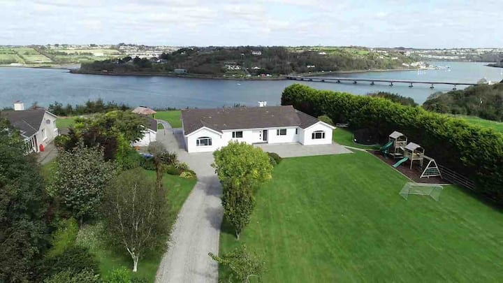 Kinsale,marina views,3 mins drive to town,sleeps16