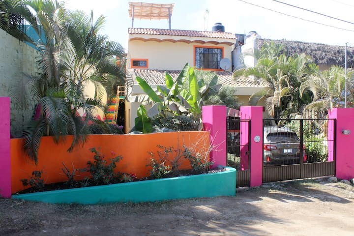 Cozy 1BR/1BA apartment with patio and roof terrace - Sayulita - Apartemen