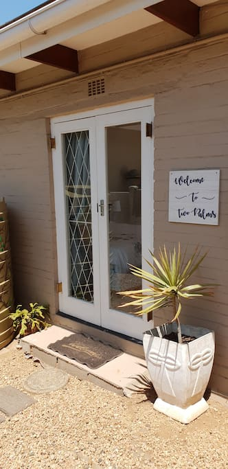 Welcome to Two Palms, La Lucia