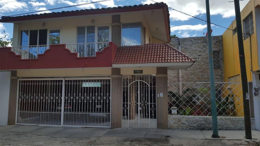 Comoda habitación en casa residencial - Tuxtla Gutiérrez - House