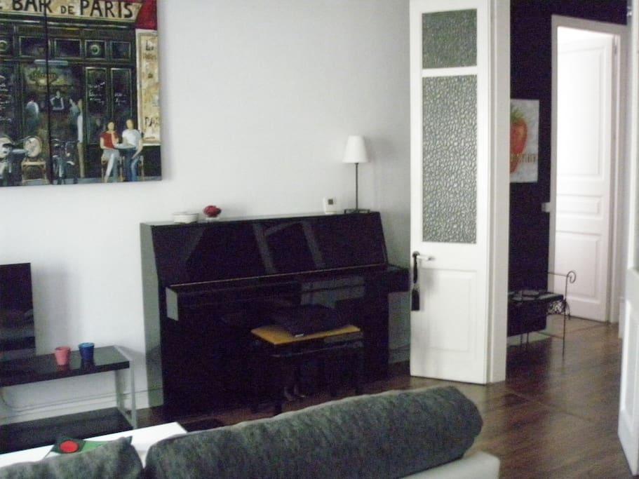 salon-piano