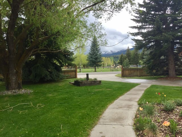 Jackson Hole Home with Fish Creek Views