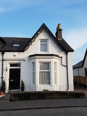 Large 4 bedroom house in Alloa