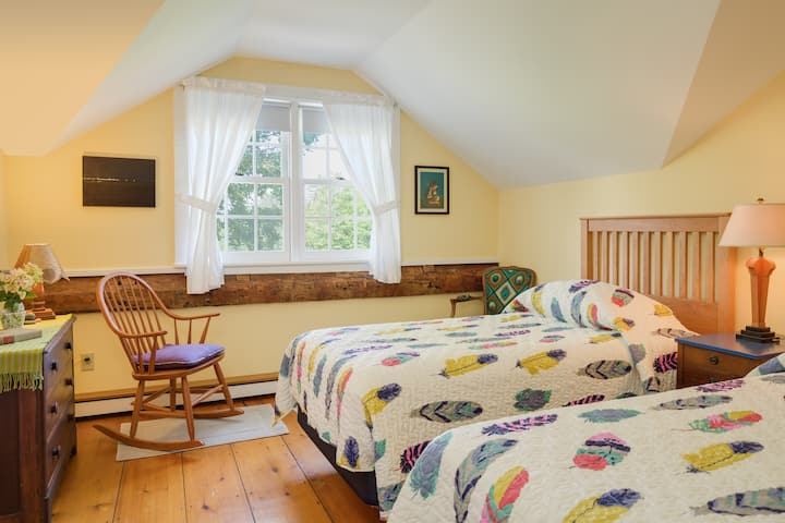 The Waldo Room - Cornwall Orchards Bed & Breakfast